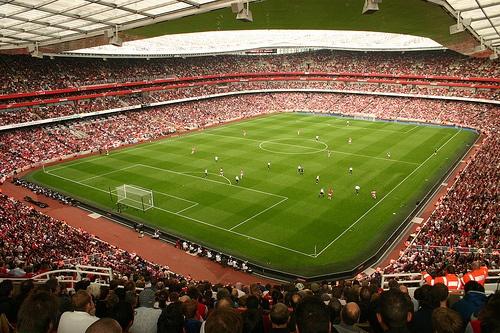 Fodboldrejse til Arsenal - Emirates by Ronnie Macdonald (cc-licensed)