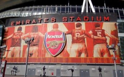 Emirates med Wright og Keown!