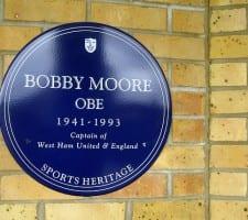 Bobby Moore skilt
