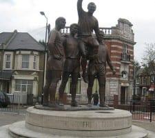 West Ham bobby moore statue